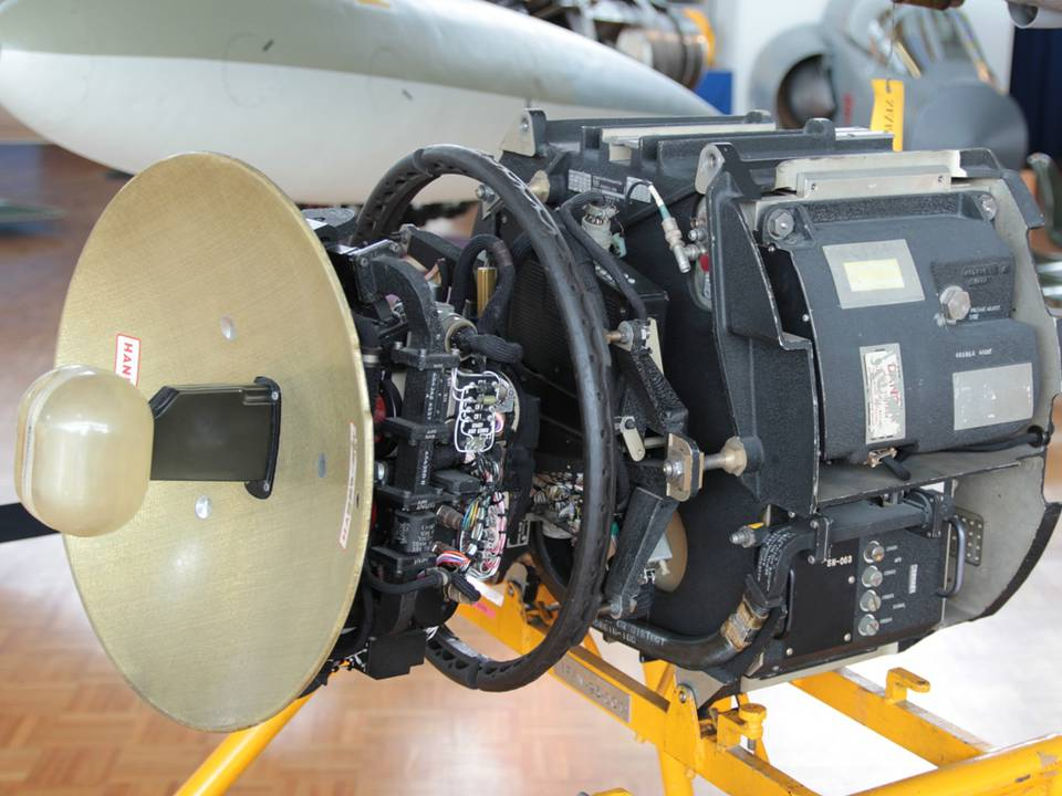 """Clin d'Ailes"", Musée de l'Aviation militaire de Payerne 1 : Radar Hugues TARAN (Mirage IIIS)"