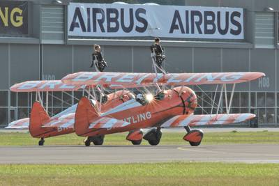 Breitling Air Show Sion 2017 1 : Breitling Wingwalkers