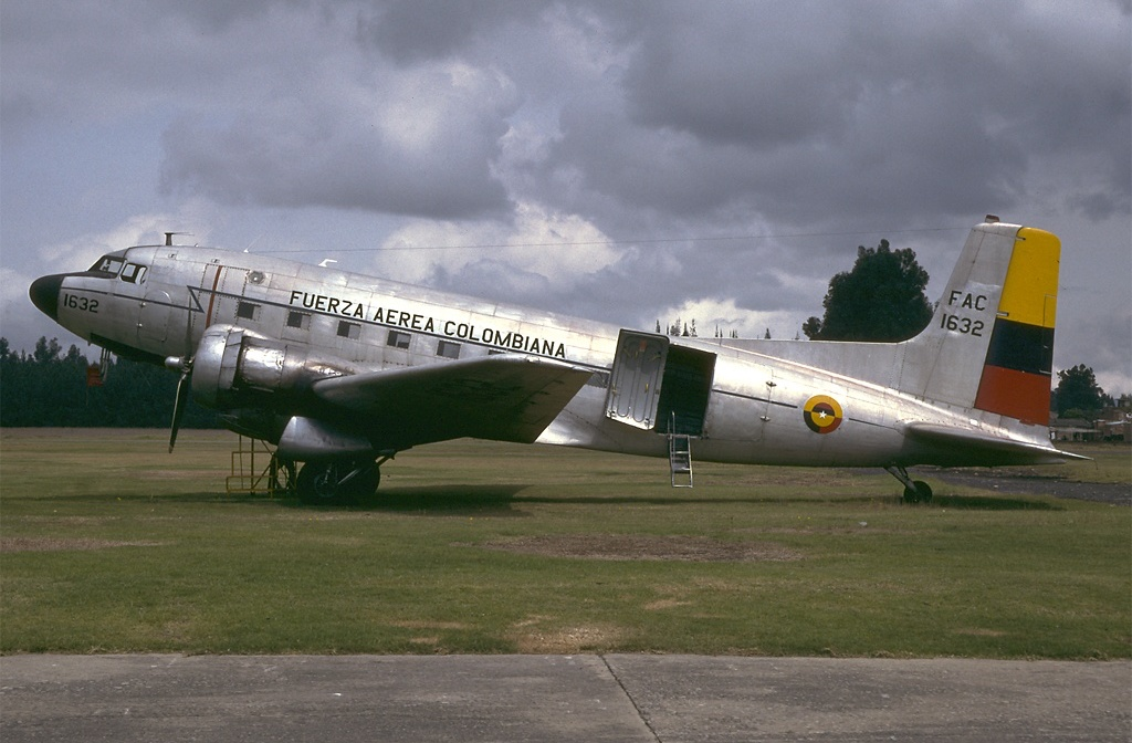 Douglas C-117D Super Dakota (DC-3S) colombien