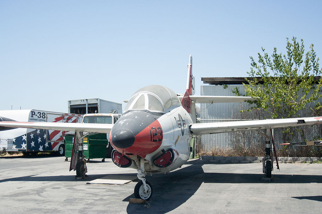 North American T-2 Buckeye, vue quasi frontale