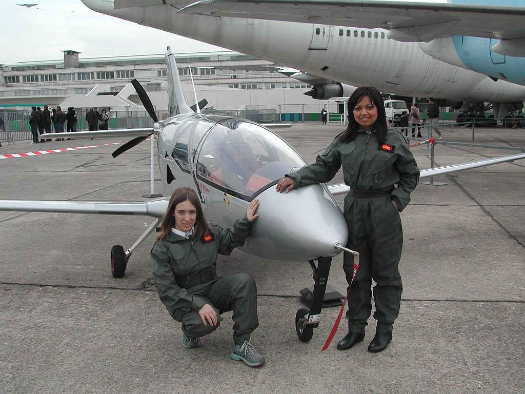 1024px-EFM-Bourget-2009.JPG