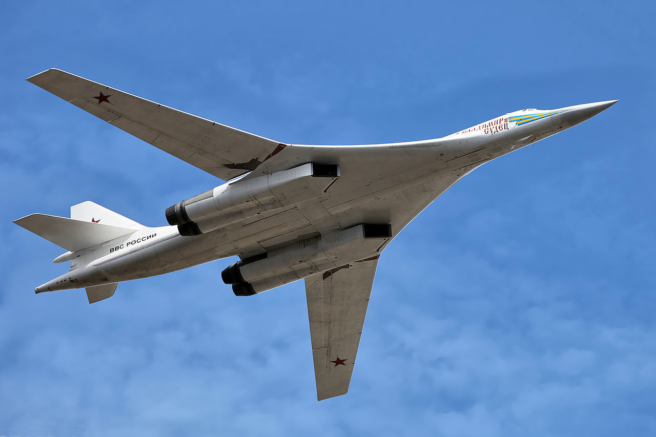 Tupolev Tu-160 Blackjack russe en vol