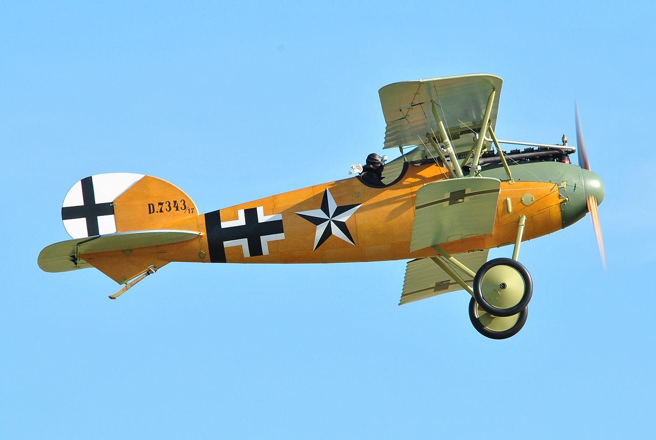 [Roden] Albatros D III  (OAW)  1280px-Albatros_D_Va_Duxford_Airshow_2012