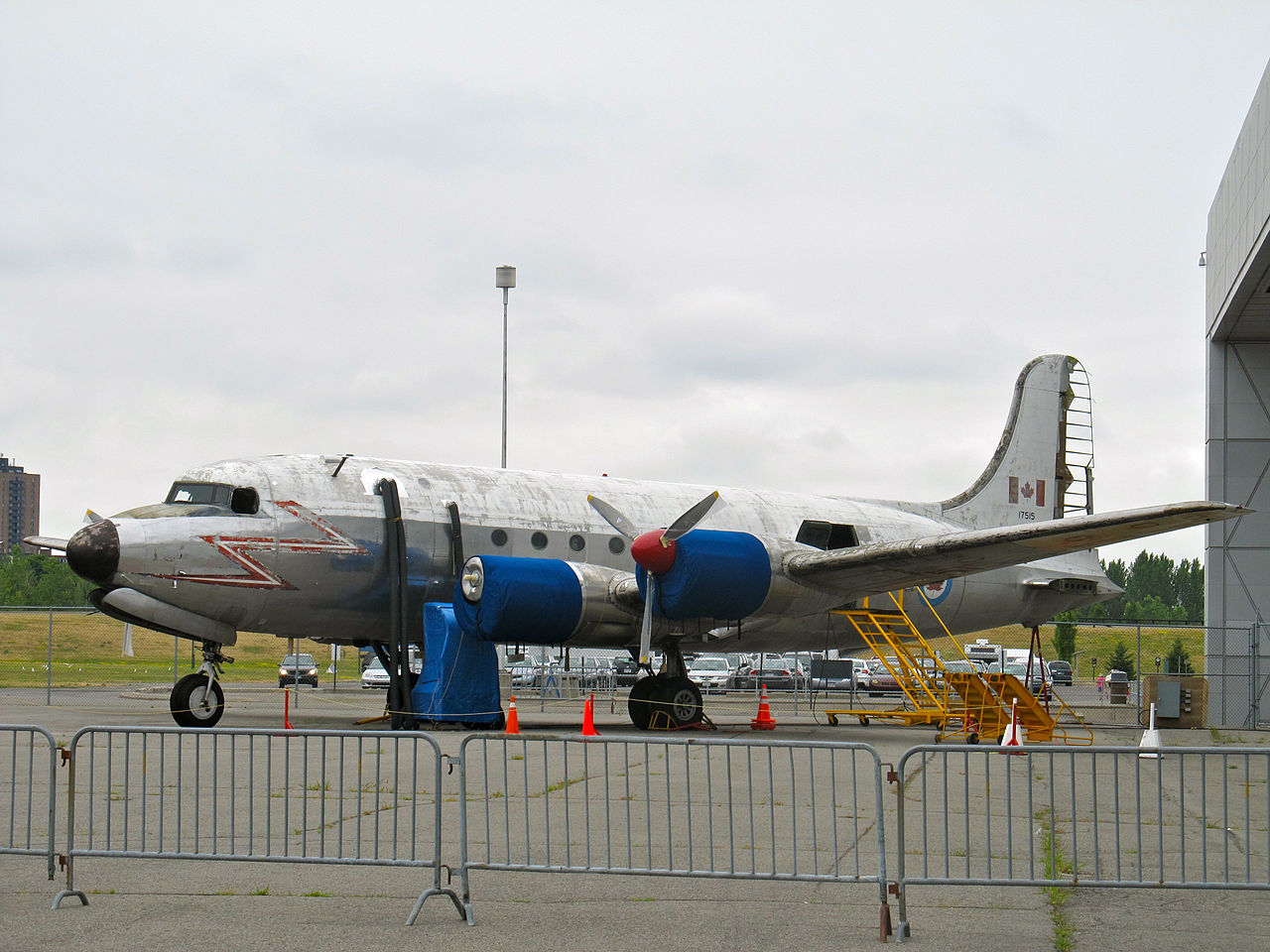 Canadair DC-4M North Star (C-54GM) canadien