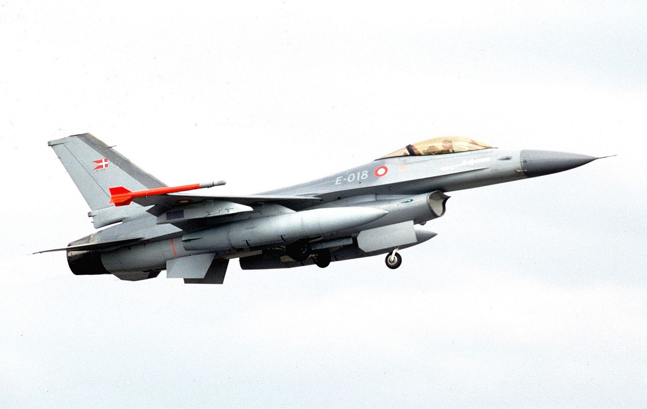 General Dynamics F-16A danois
