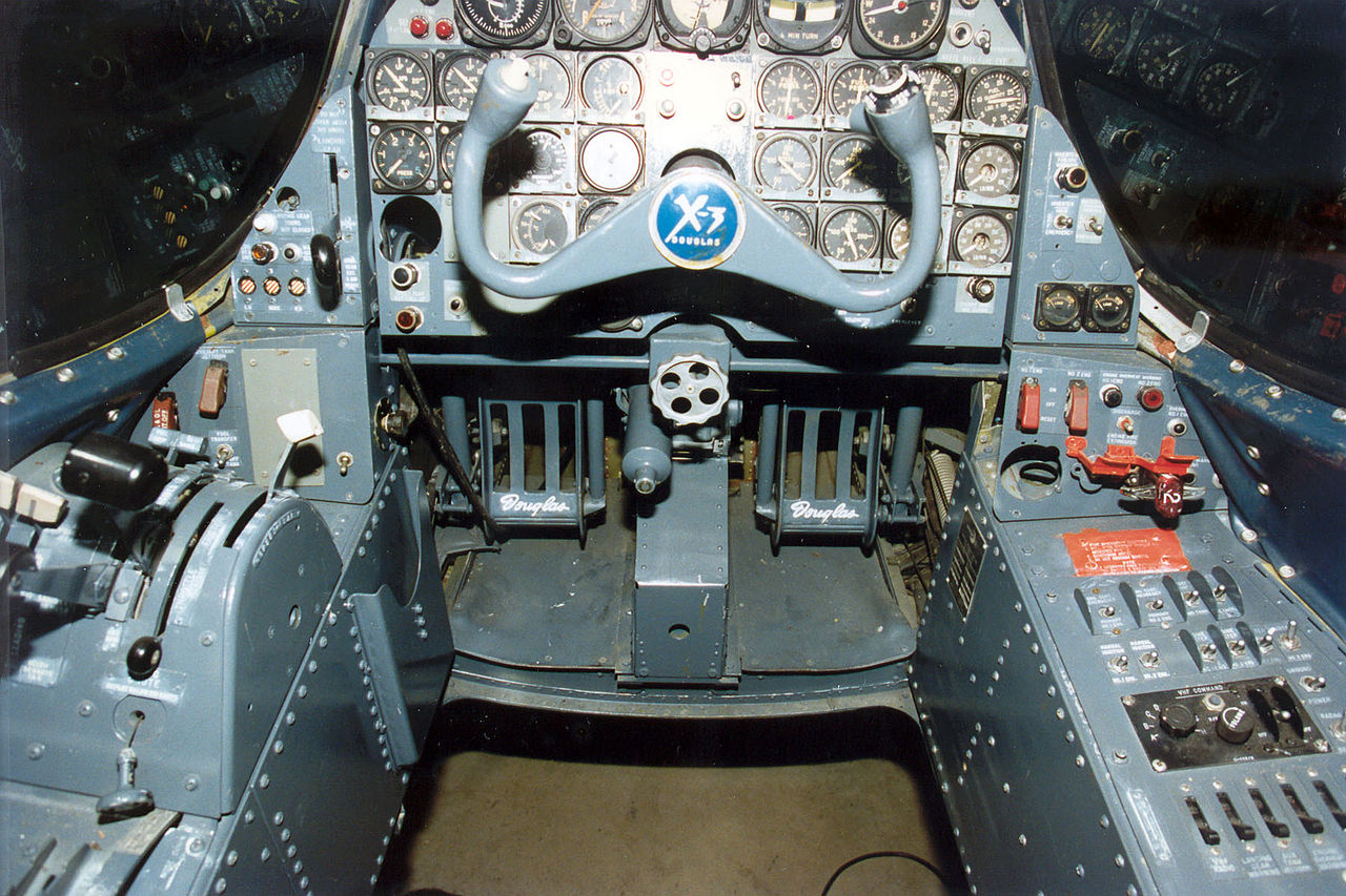 Douglas X-3 Stiletto - Cockpit