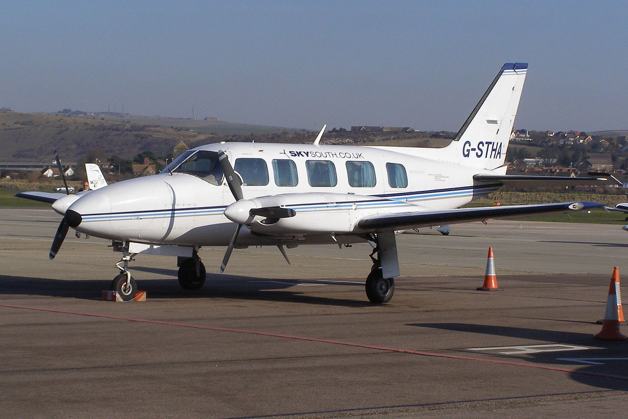 Piper PA-31-350 Navajo civil