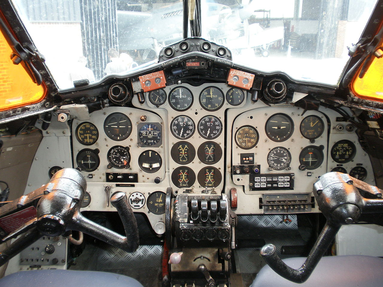 De Havilland DH-114 Heron - Cockpit