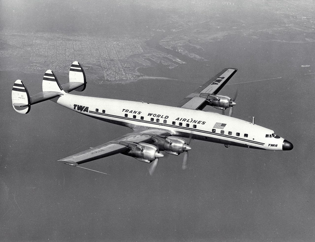 Lockheed C-121 Super Constellation (L-1649 Starliner)