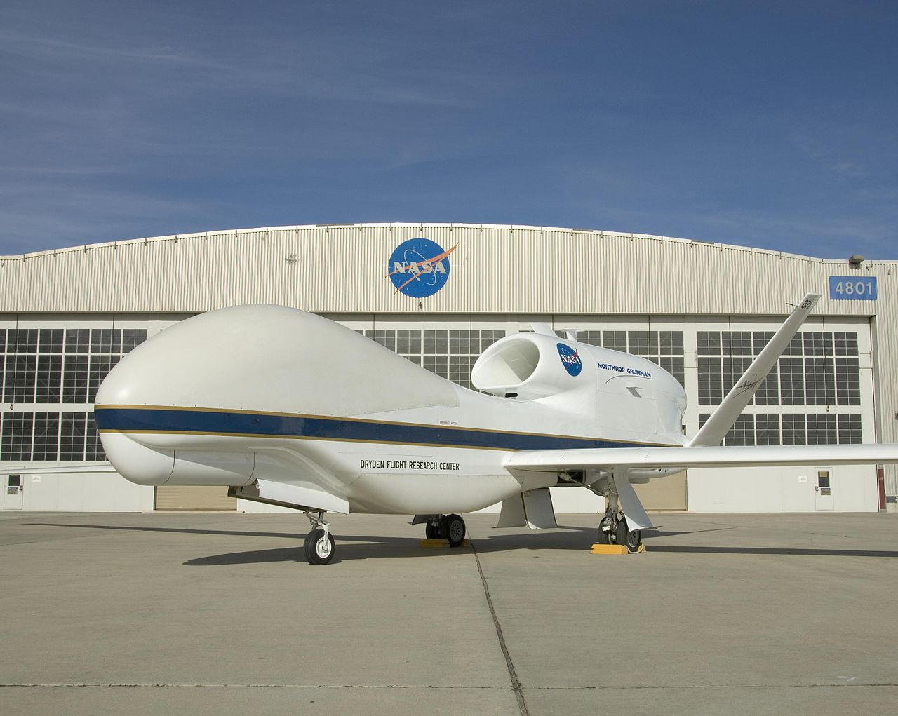 Northrop-Grumman Q-4 Global Hawk de la NASA au sol