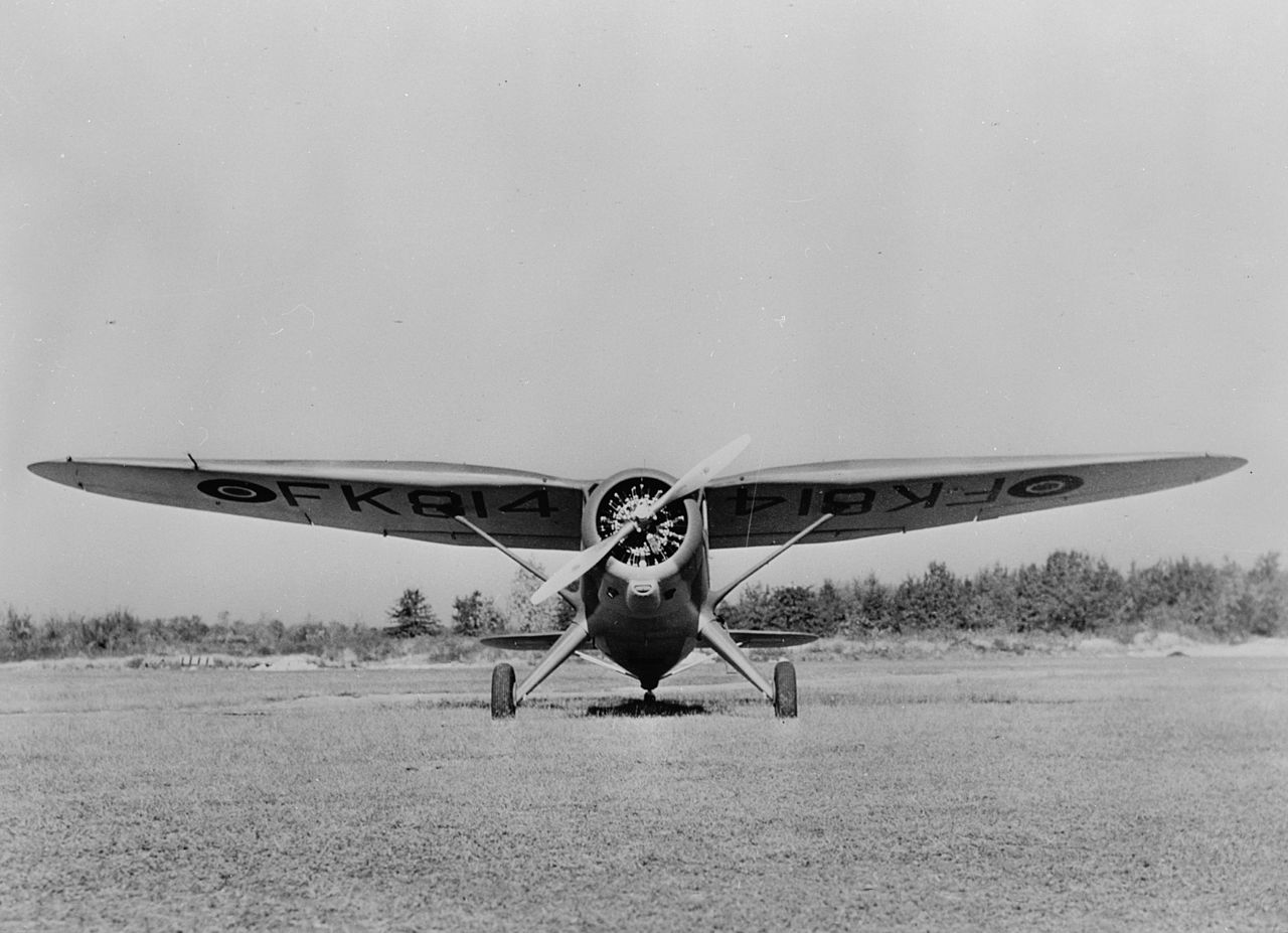 Stinson Reliant (AT-19) vu de front