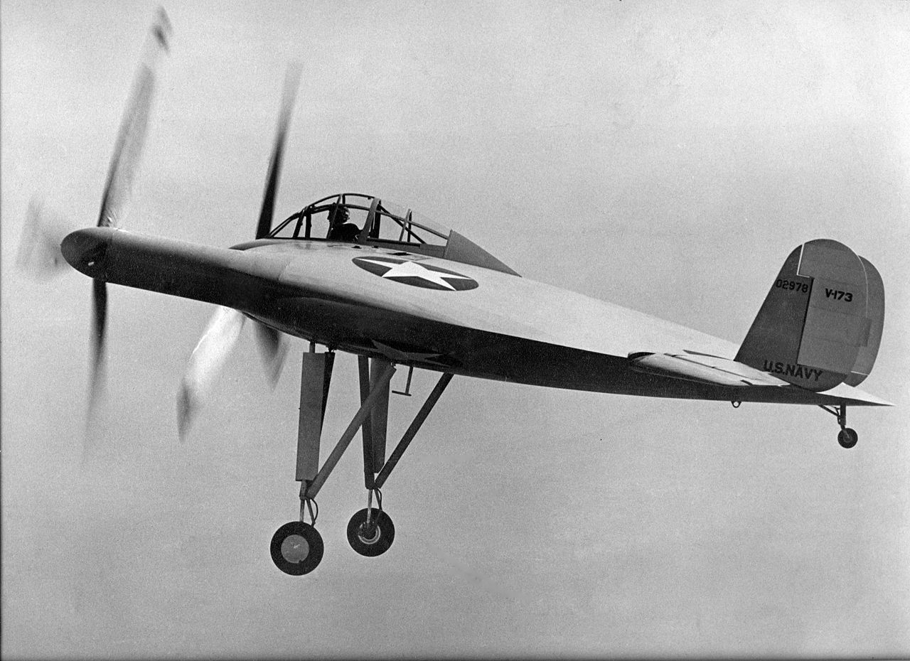 Vought XF5U (V-173) à son premier vol
