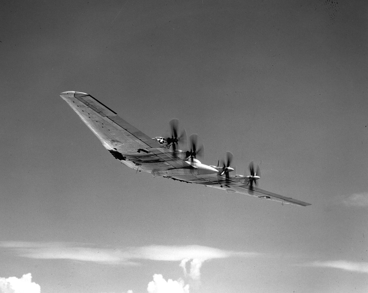 Northrop B-35 (XB-35) en vol