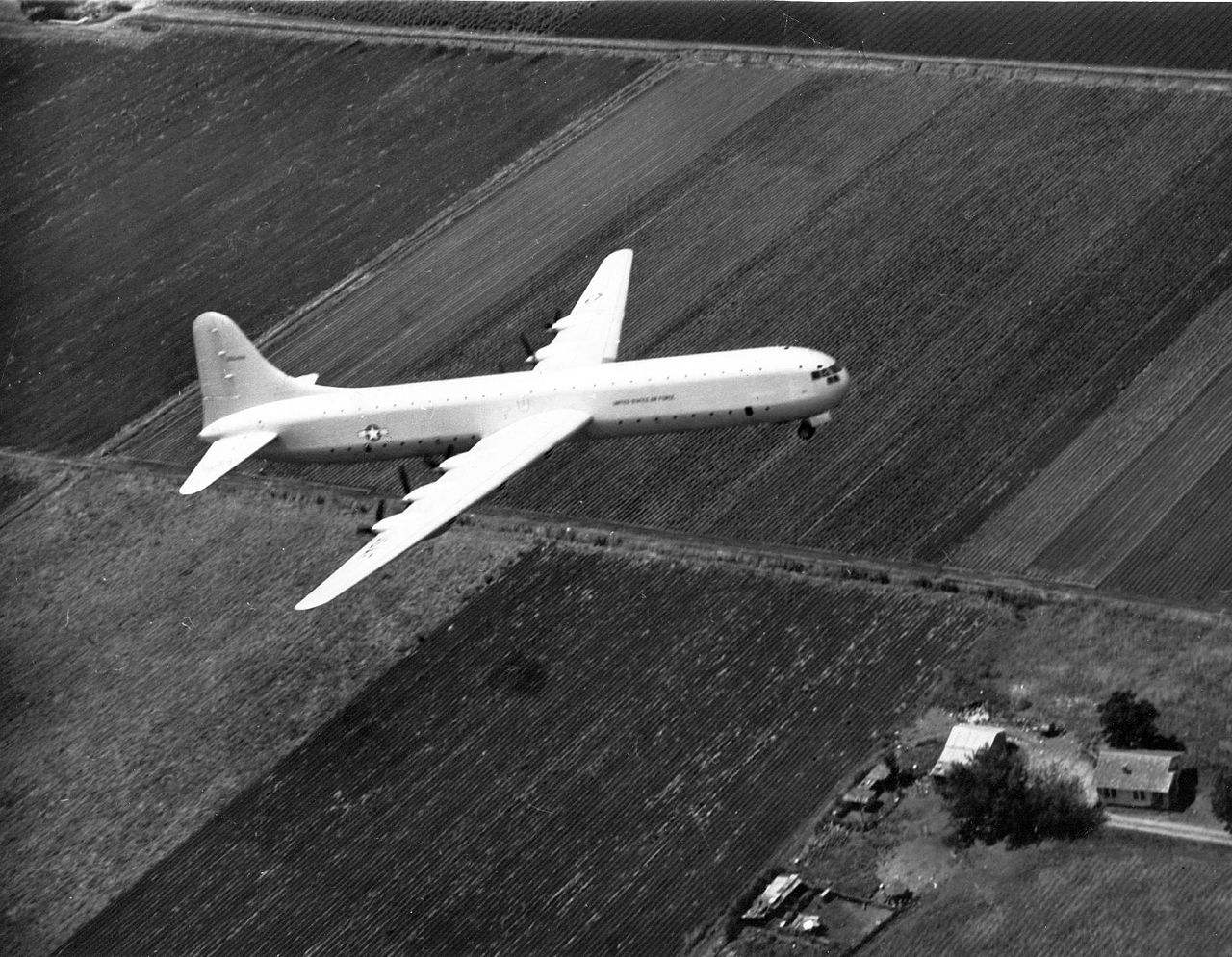 Convair XC-99 en vol train sorti