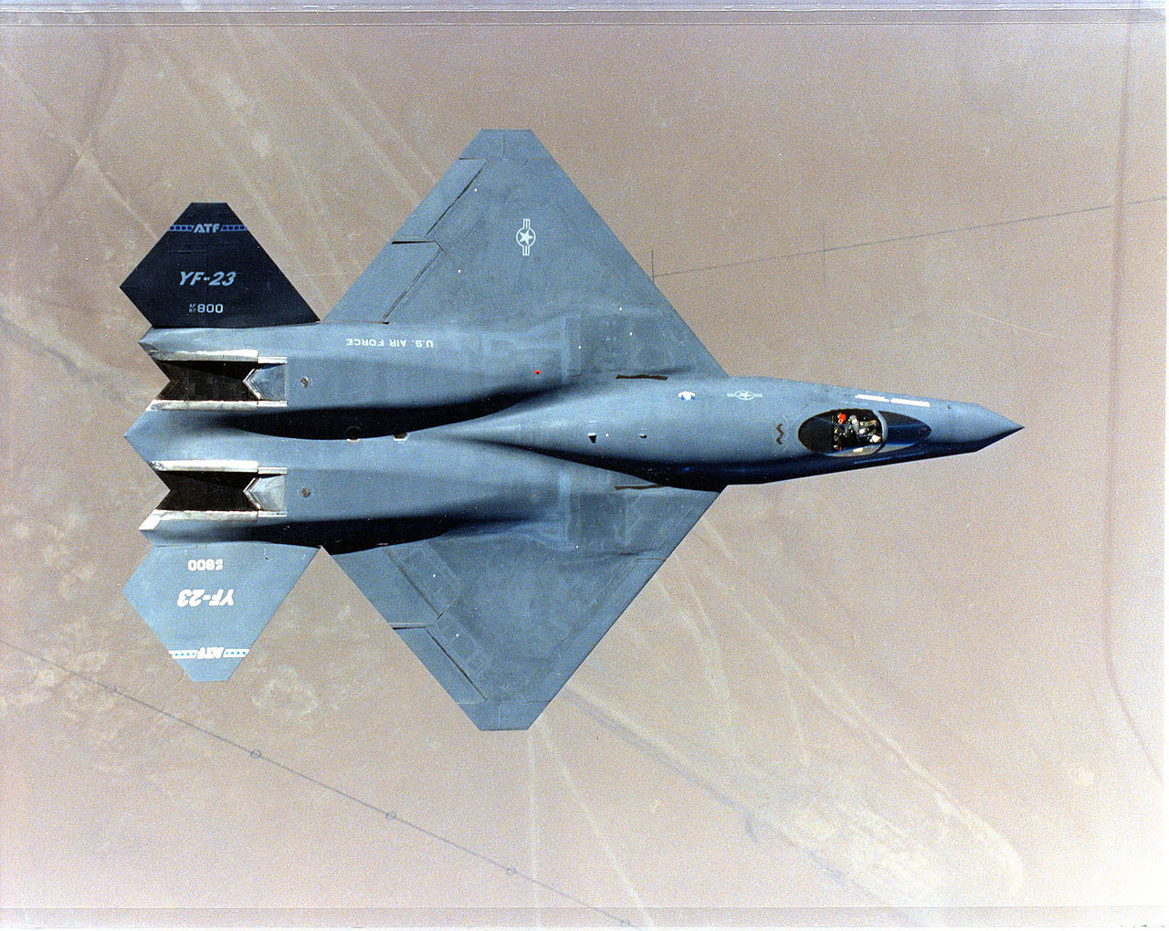 Northrop YF-23 Black Widow II vu de dessus