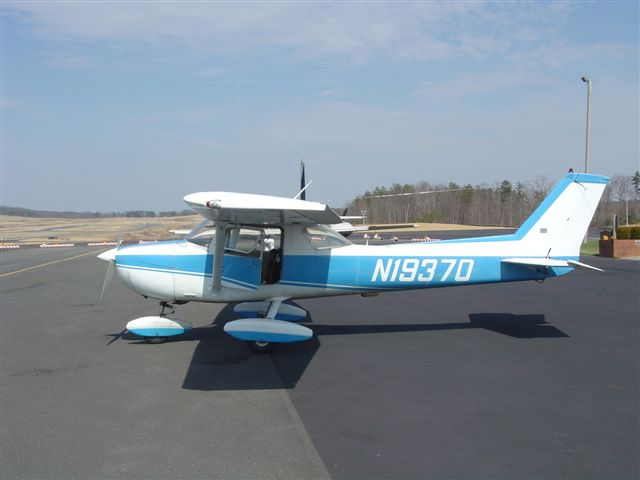 Cessna 150L civil