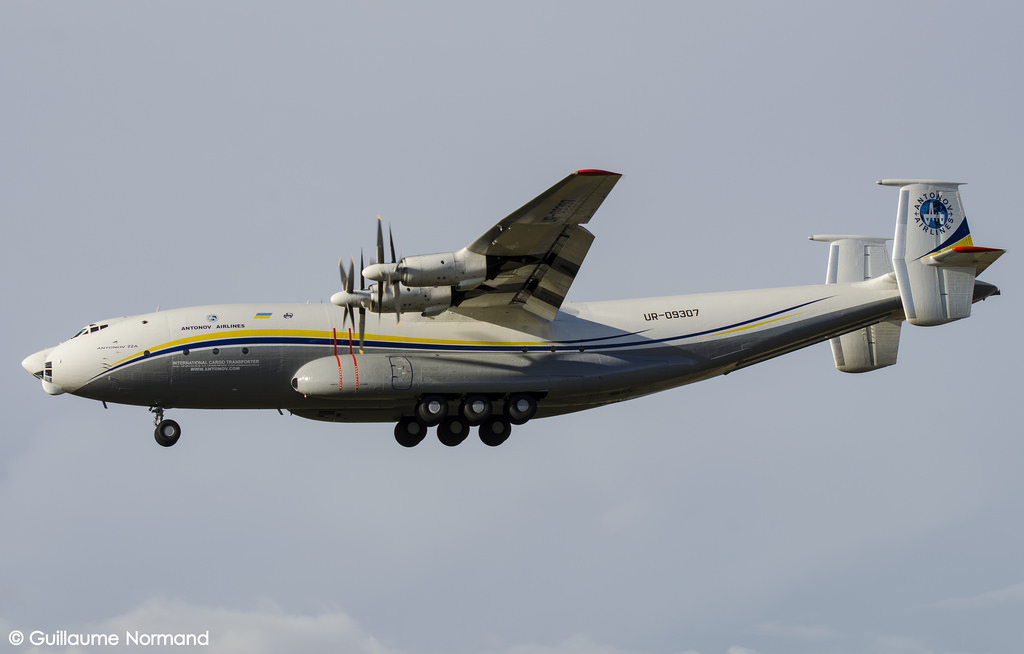 Antonov An-22 Cock civil en vol par Gnormand