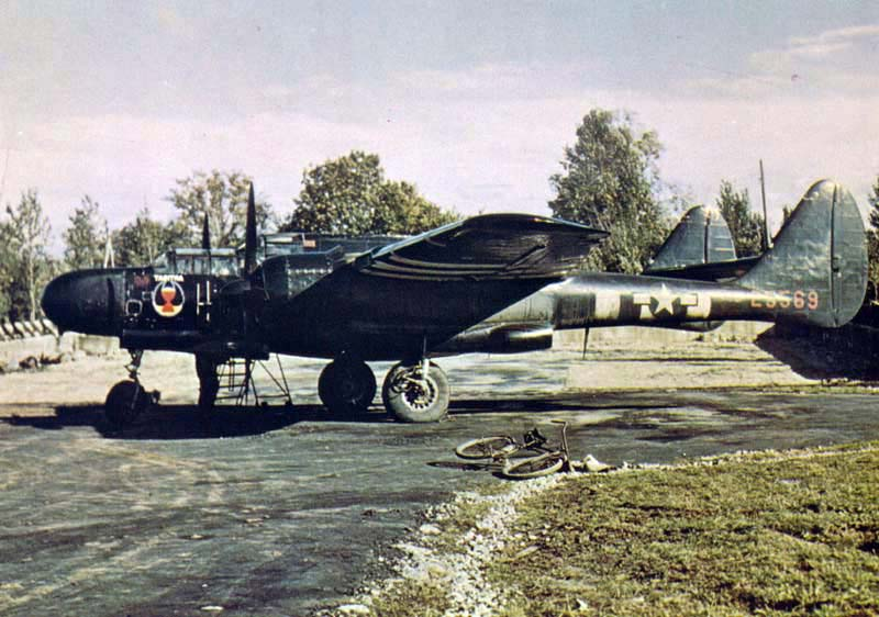 Northrop P-61A Black Widow au sol