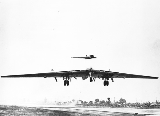 Northrop B-35 au décollage