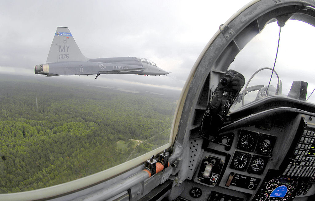 T38 cockpit absolutely not