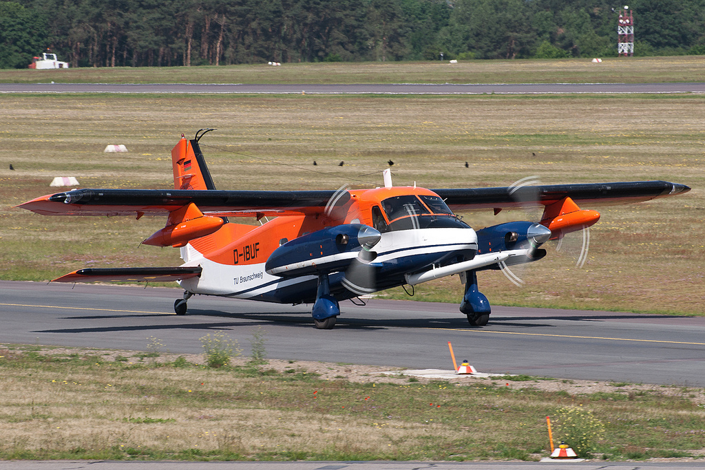 Dornier Do 128 Turbo Skyservant civil au sol