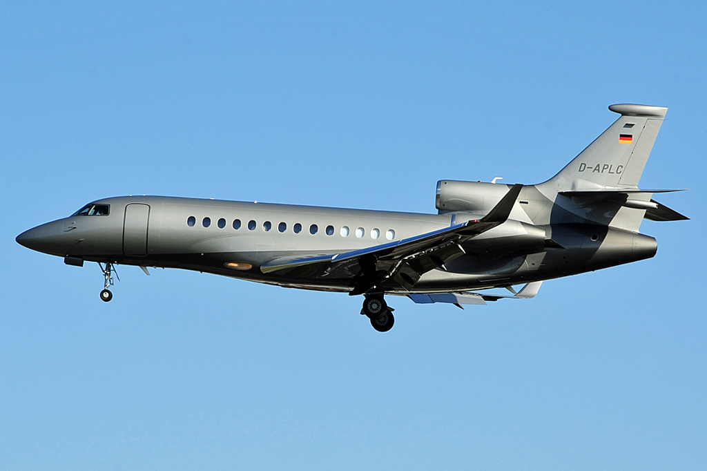 Dassault Falcon 7X civil en vol train sorti