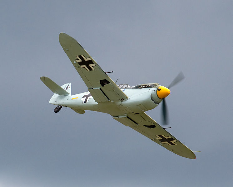 Hispano HA-1112-M1L Buchon aux couleurs de la Luftwaffe en vol