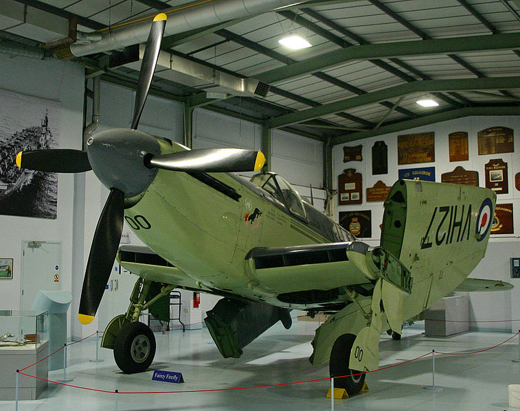 Fairey Firefly TT.4 de la Royal Navy
