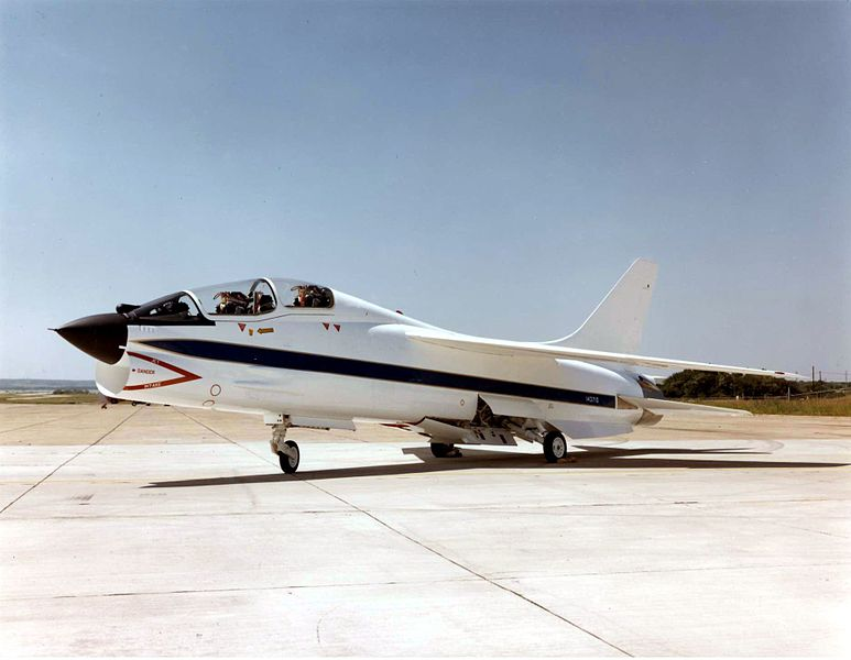 Vought F-8 Crusader (TF-8A)