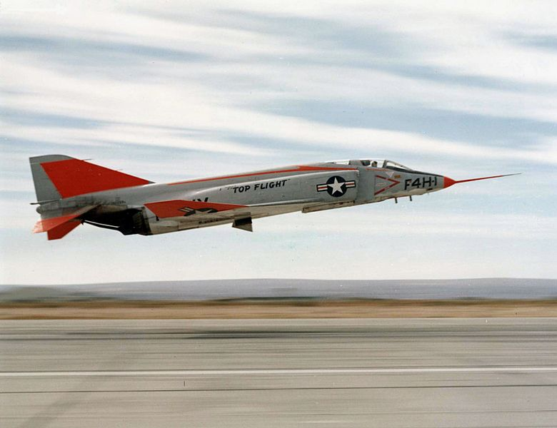 AviationsMilitaires.net — McDonnell F-4 Phantom II