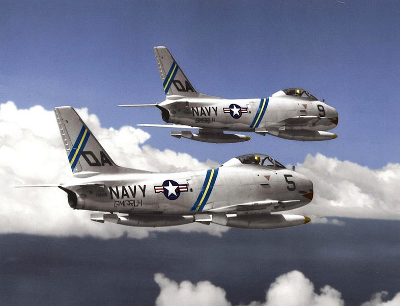 North American F-1 Fury (FJ-3D) de l'US Navy en vol