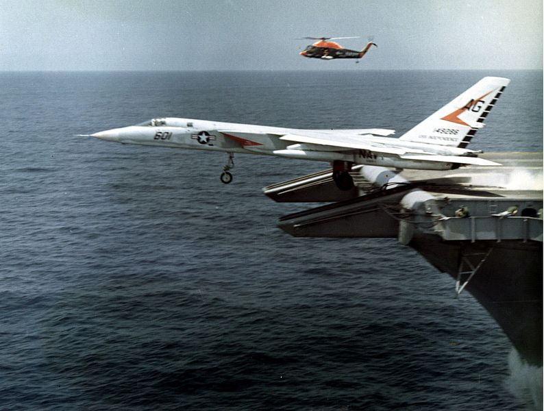 North American A-5A Vigilante de l'US Navy catapulté