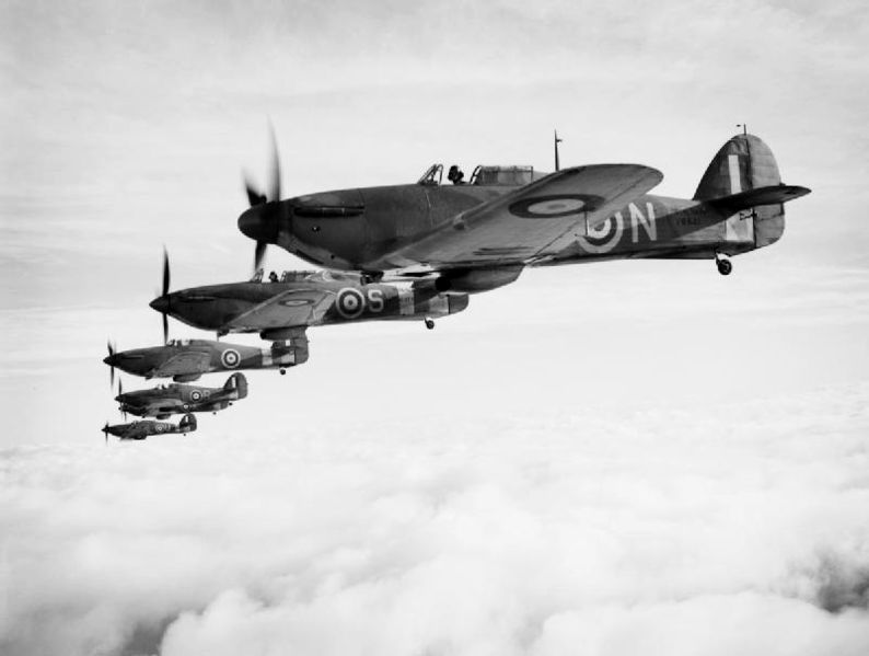 Hawker Sea Hurricane IB de la Royal Navy en formation