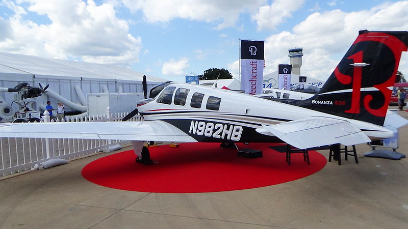 Beech G36 Bonanza civil en exposition