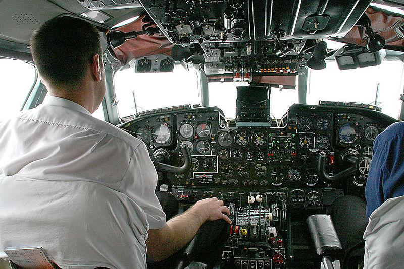Antonov An-24 Coke - Cockpit