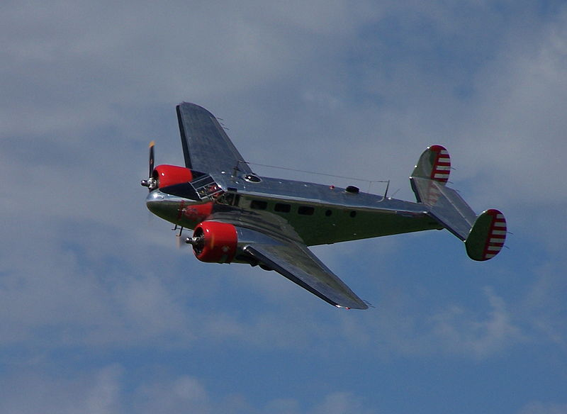 Beech 18 de collection en vol