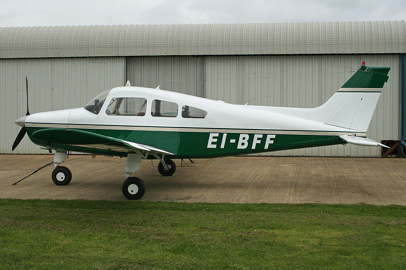 Beech 23 Musketeer (A23-24) civil au sol