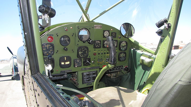Cessna O-1 Bird Dog - Cockpit