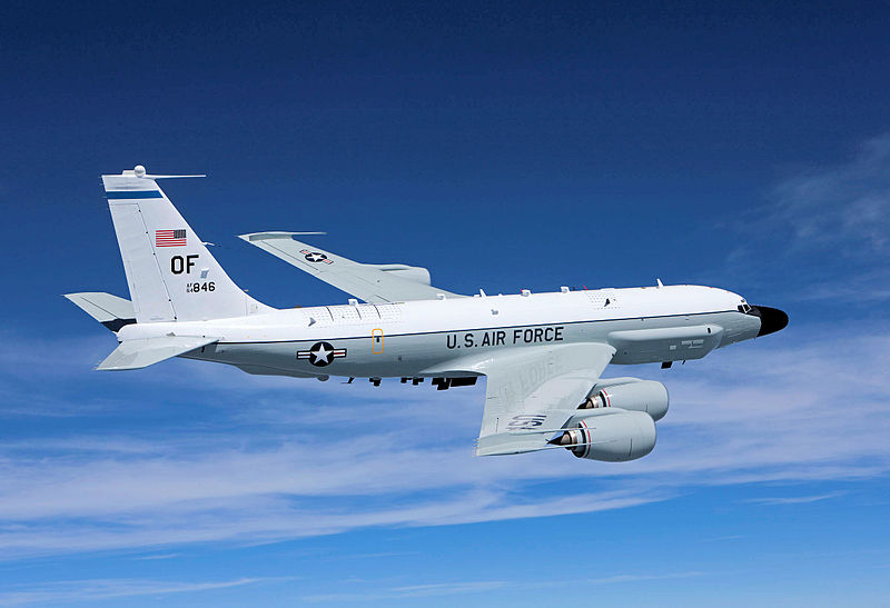 Boeing RC-135V Rivet Joint de l'USAF en vol