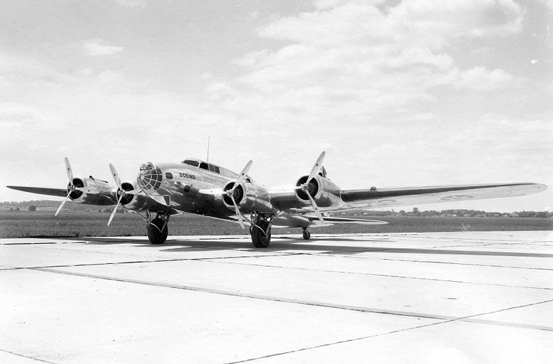 Boeing XB-17 Flying Fortress au sol