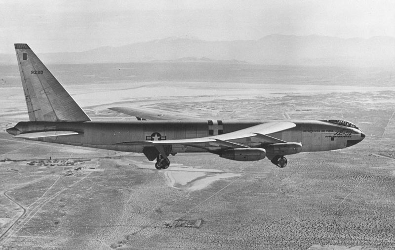 Boeing XB-52 Stratofortress en vol