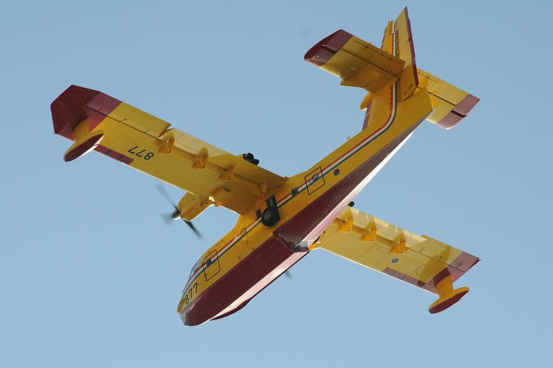 Canadair CL-415 croate en vol