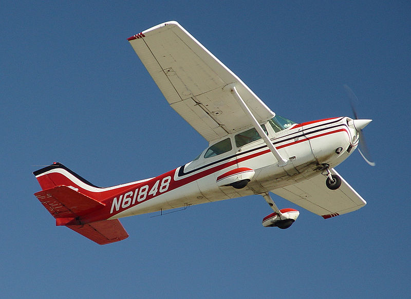 Cessna 172M civil en vol