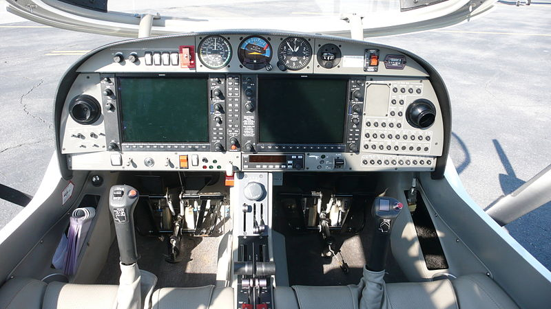 Diamond DA42 Twin Star - Cockpit