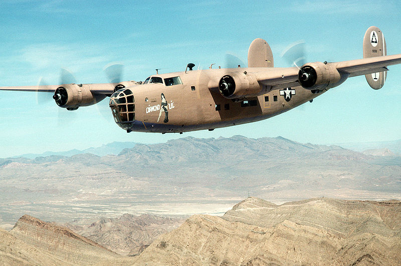 Consolidated B-24A Liberator aux couleurs de l'USAAF