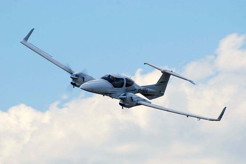 Diamond DA42 Twin Star civil de face
