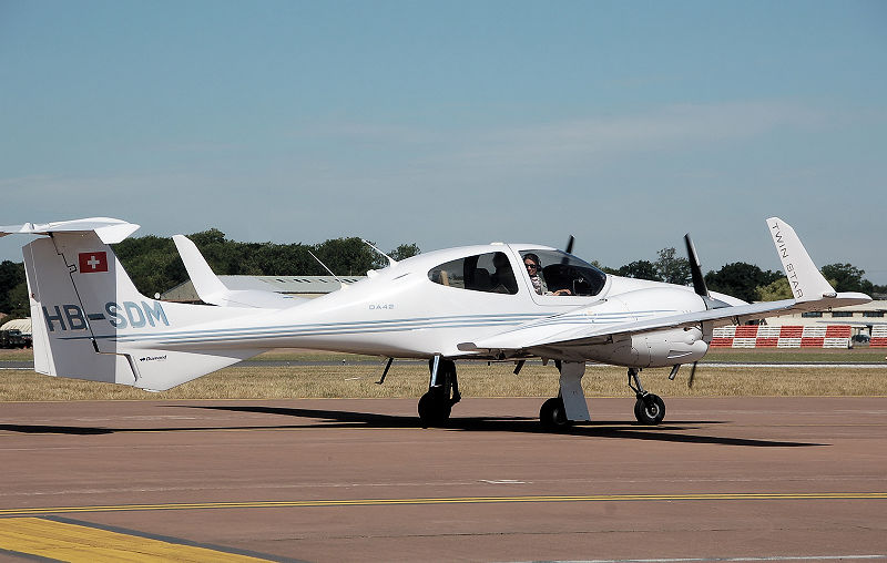 Diamond DA42 Twin Star civil au roulage