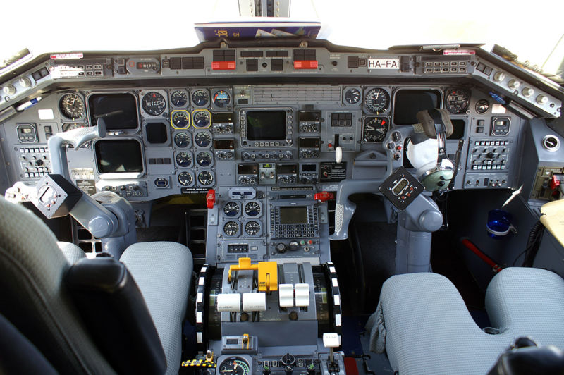 AviationsMilitaires.net — Embr...