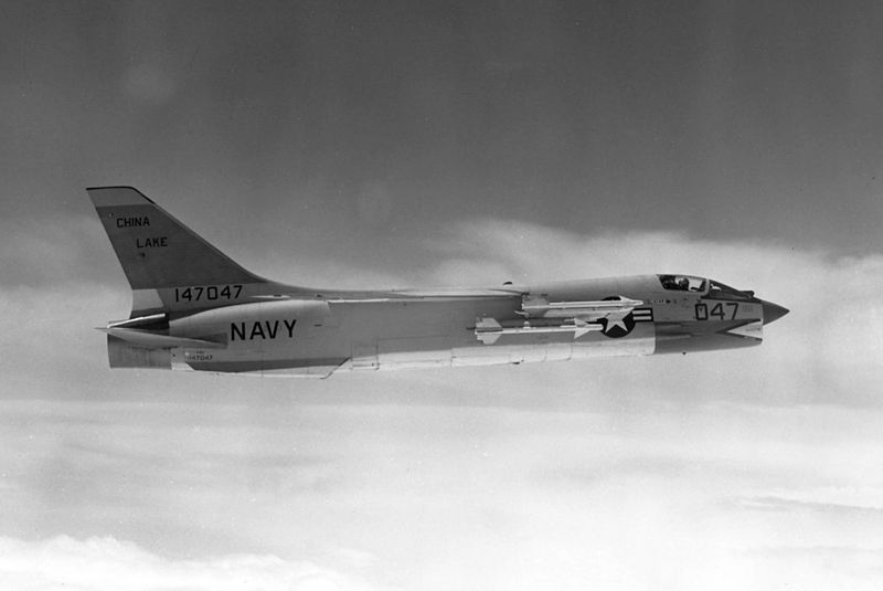 Vought F-8 Crusader (F-8D) de l'US Navy