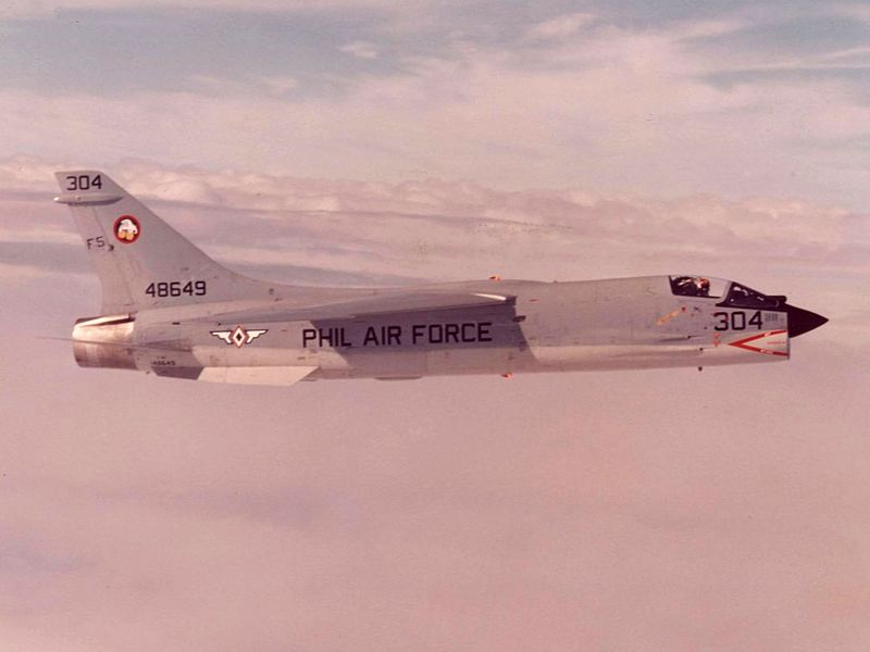 Vought F-8 Crusader (F-8H)  philippin